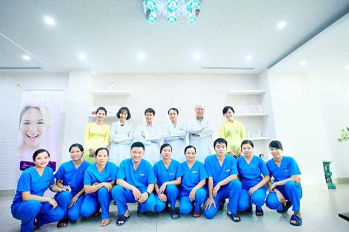 Bạn có thể đến Viện thẩm mỹ Hà Nội để thực hiện nâng ngực