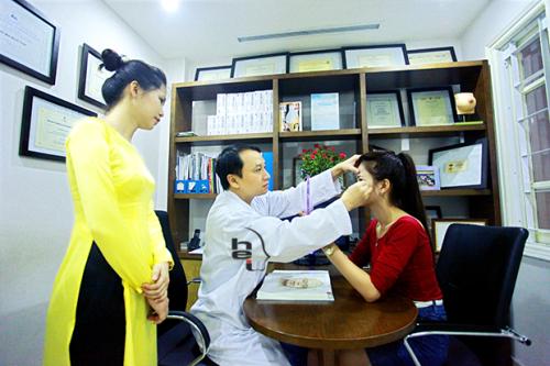 Bạn có thể thực hiện nâng mũi bộc sụn tại Viện thẩm mỹ Hà Nội