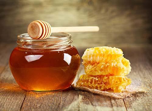 Trị bệnh viêm họng hiệu quả từ mật ong