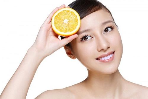 Cách điều trị tàn nhang bằng cam tươi đơn giản