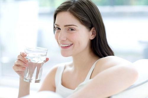 Cung cấp nước cho da đầy đủ