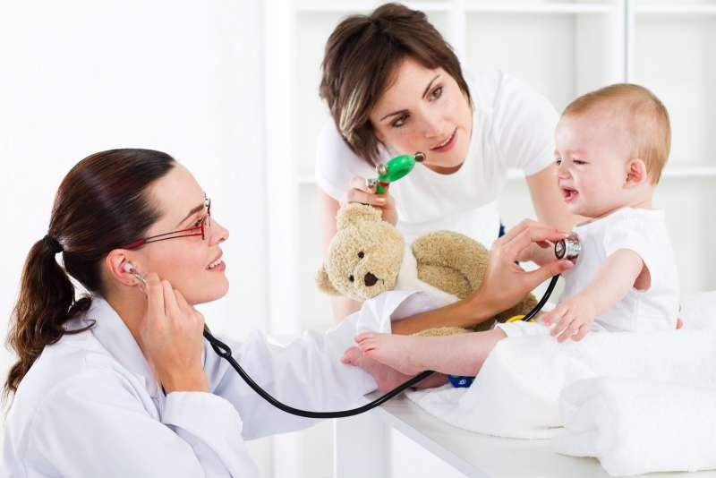 Cách xử lý khi trẻ bị sốt cao, co giật