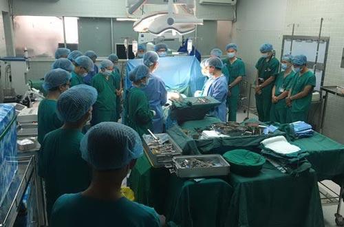 Nguồn tạng được hiến tặng được lấy từ bệnh nhân chết não do tai nạn giao thông