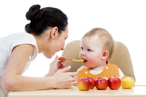 Thiếu vi chất khiến trẻ thấp còi, lười ăn