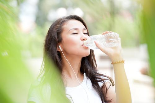 Uống gì vào buổi sáng tốt nhất cho sức khỏe?