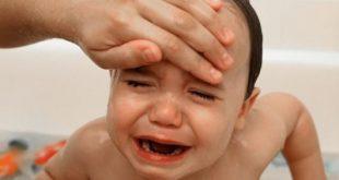 Dược sĩ tư vấn nguyên tắc sử dụng thuốc hạ sốt cho trẻ an toàn