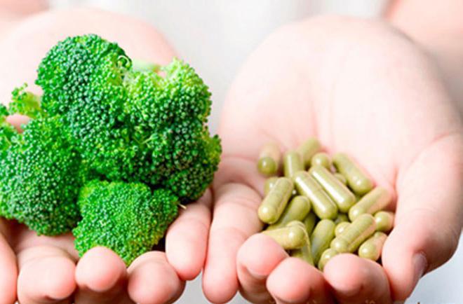 Nên cân bằng giữa thự phẩm chức năng và bữa ăn lành mạnh