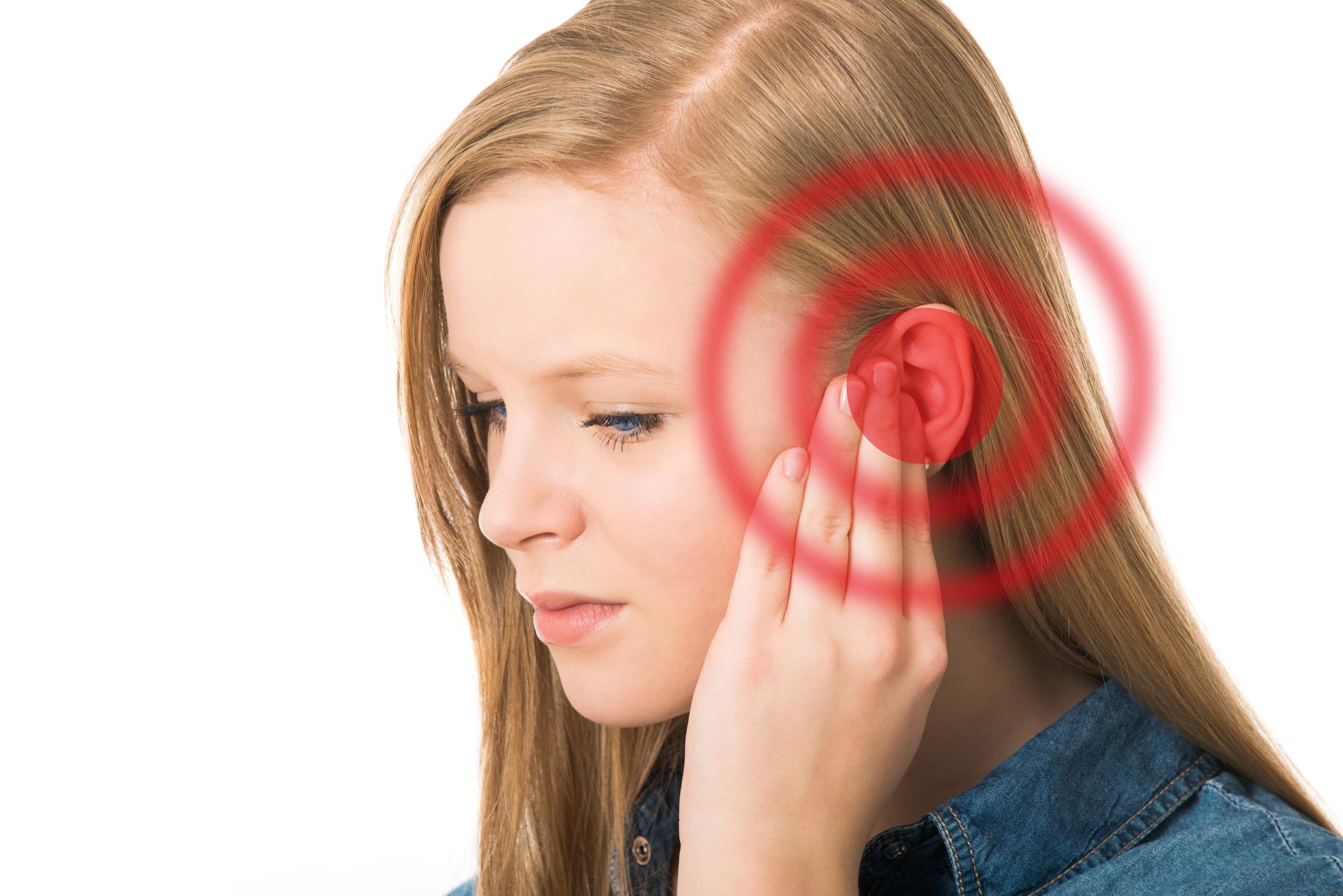 Chữa ù tai bằng phương pháp Đông Y như thế nào?