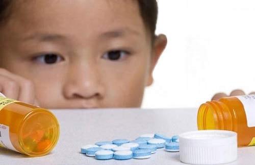 Những loại thuốc kháng sinh không được cho trẻ dùng
