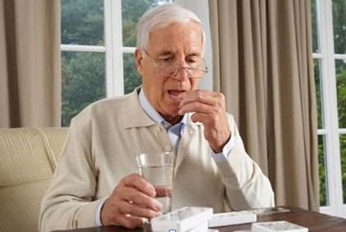 Cơ thể người già lão hóa kéo theo nhiều loại bệnh khác nhau.