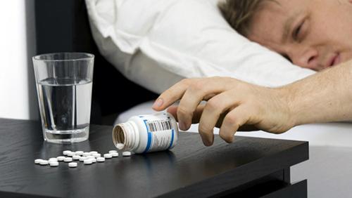 Sử dụng thuốc nhanh chóng đi vào giấc ngủ nhưng không phải là biện pháp tốt và lâu dài