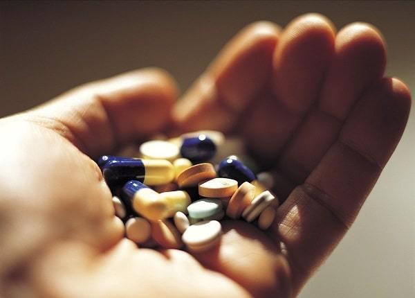 Sử dụng thuốc tây điều trị trào ngược dạ dày tiềm ẩn tác dụng phụ