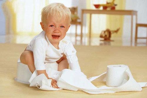 Trẻ em rất dễ mắc bệnh táo bón