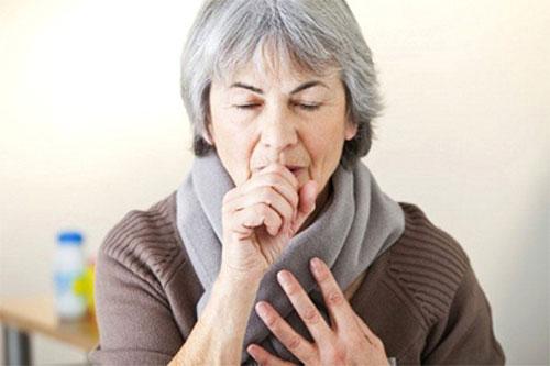 Tư vấn dùng thuốc ho cho người cao tuổi