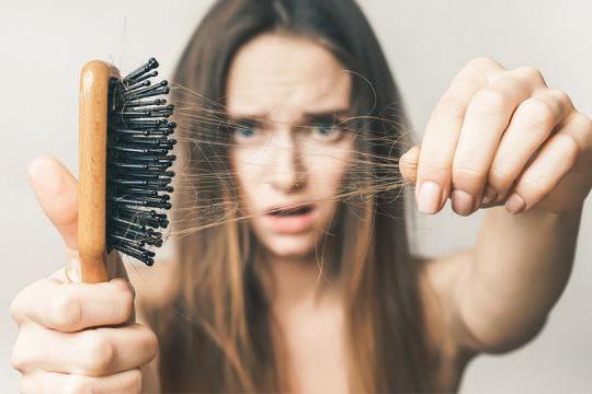 Rụng tóc gây ra rất nhiều phiền toái