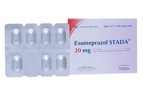 Dược sĩ tư vấn dùng thuốc esomeprazole