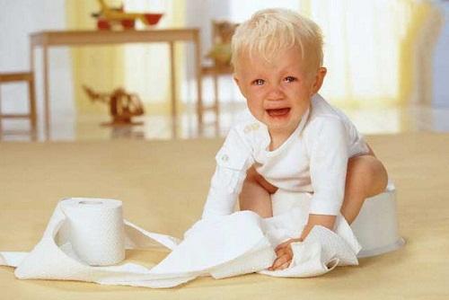 Hệ tiêu hóa phát triển chưa toàn diện vì vậy trẻ rất dễ bị tấn công bởi những vi khuẩn gây bệnh
