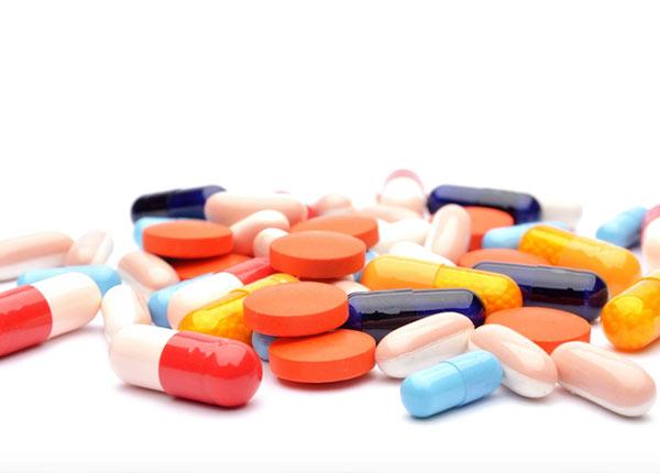 Những thực phẩm nên hạn chế dùng sau khi uống kháng sinh