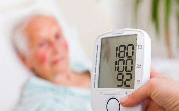 Thầy thuốc cảnh báo các dấu hiệu sớm của bệnh cao huyết áp