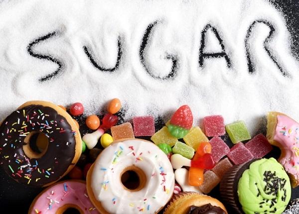 <center><em>Tiêu thụ quá nhiều lượng đường vào cơ thể có thể gây hại cho gan</em></center>